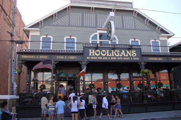 hooligans irish pub