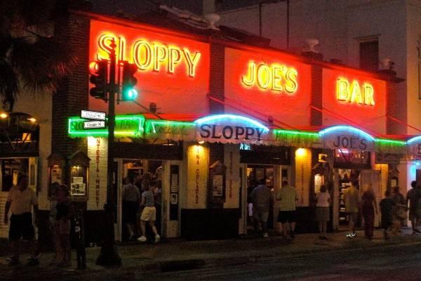 putinbay days at sloppy joes
