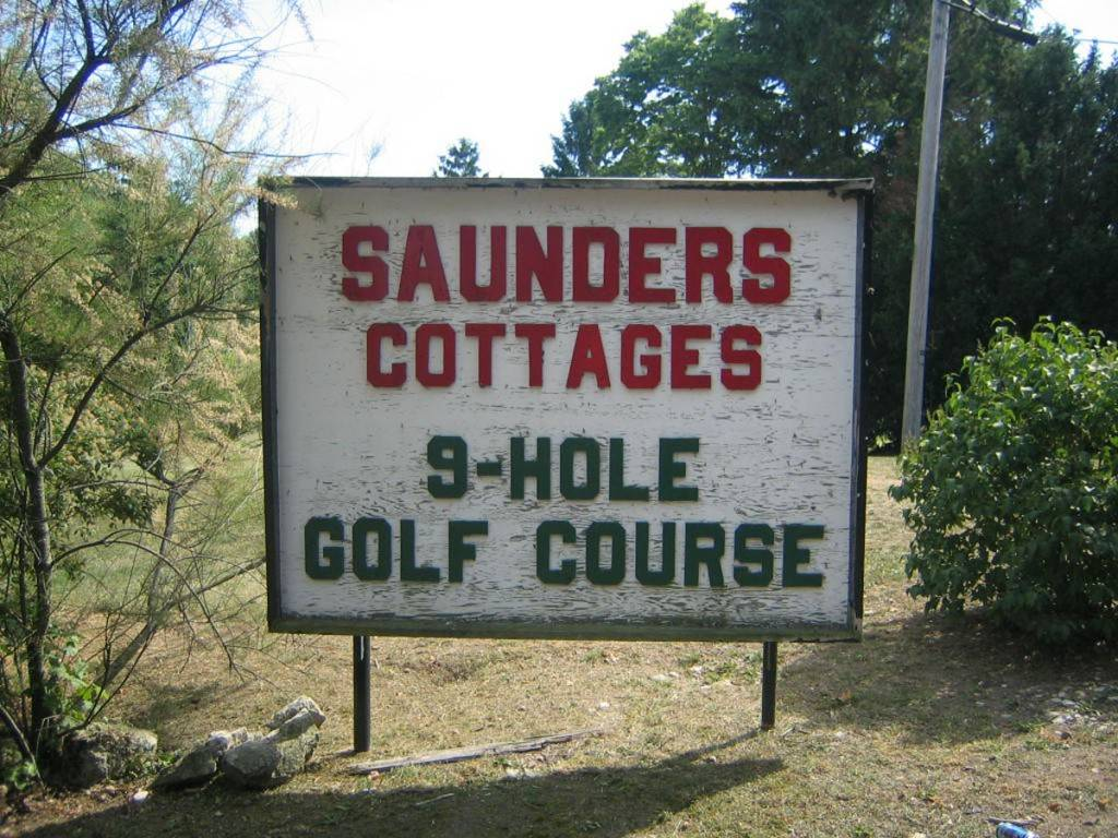 saunders cottages and golf