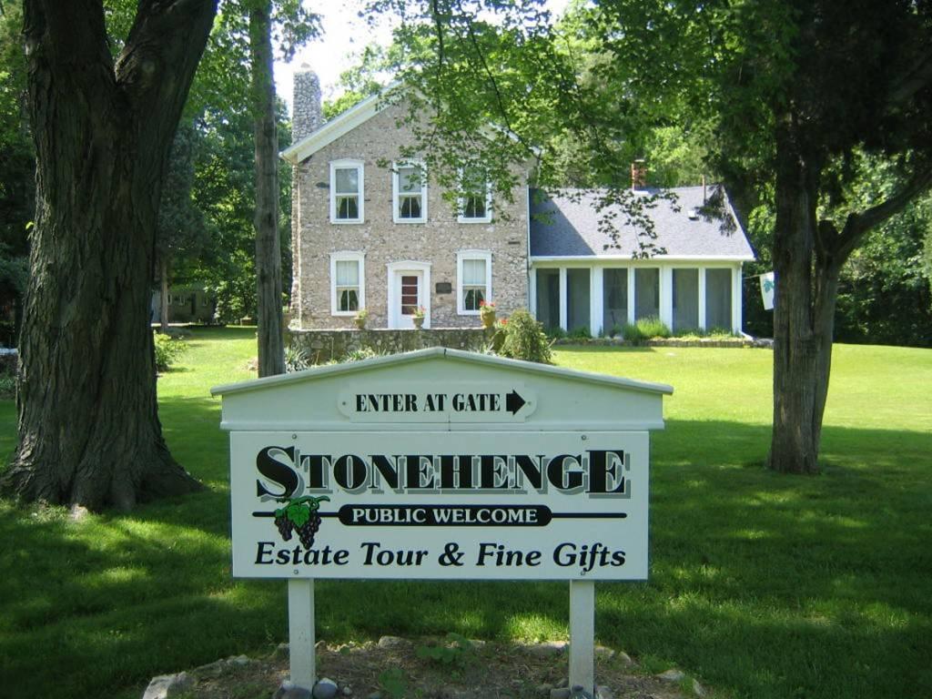 putinbay stonehenge