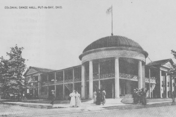 Put-in-Bay Colonial Hotel