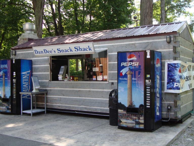 Put in Bay DanDee's Snack Shack