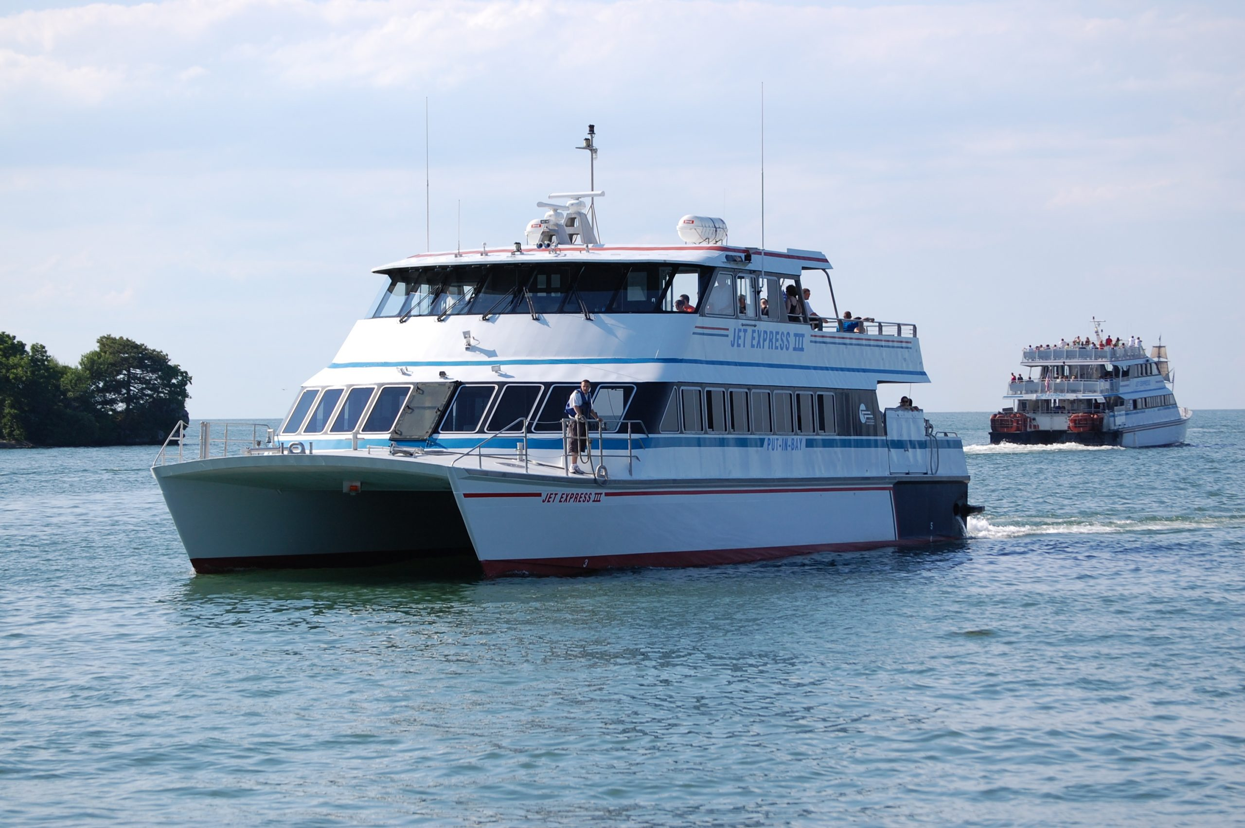 The Best 10 Beaches in Cleveland Ohio That You MUST Visit! 3 jetboat4 scaled